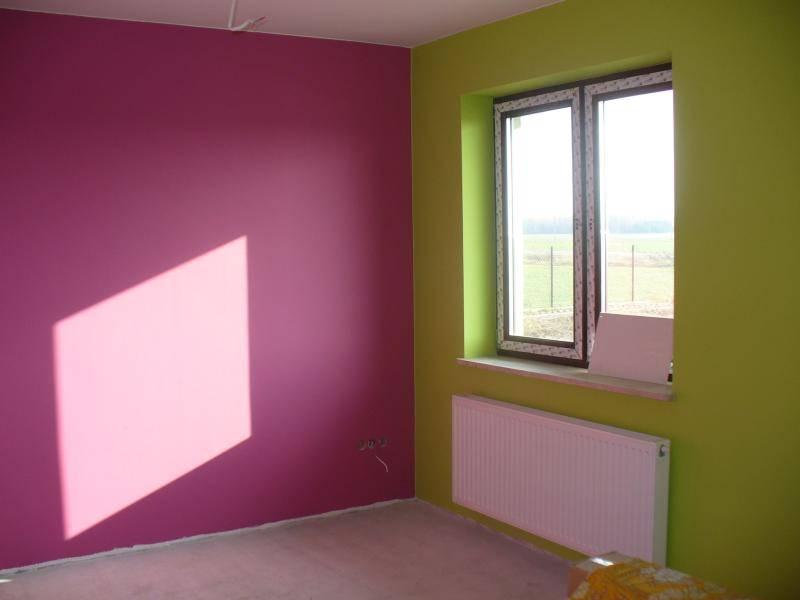 Kolory w dużym pokoju to Dulux - Świeże awokado i Wrzosowe wzgórza